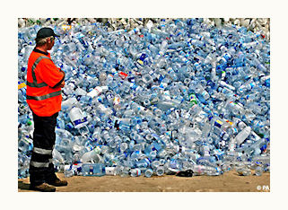 5 REASONS TO NOT BUY WATER IN PLASTIC BOTTLES
